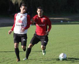 A preparação para o nacional segue forte nos treinamentos Xavantes. A estreia será 13/5, às 21h30, no Bento Freitas. Foto: Carlos Insaurriaga
