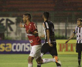 Artilheiro da Série B, Felipe Garcia marcou o gol de empate em Juiz de Fora, e Brasil leva um ponto para casa. Foto: Carlos Insaurriaga