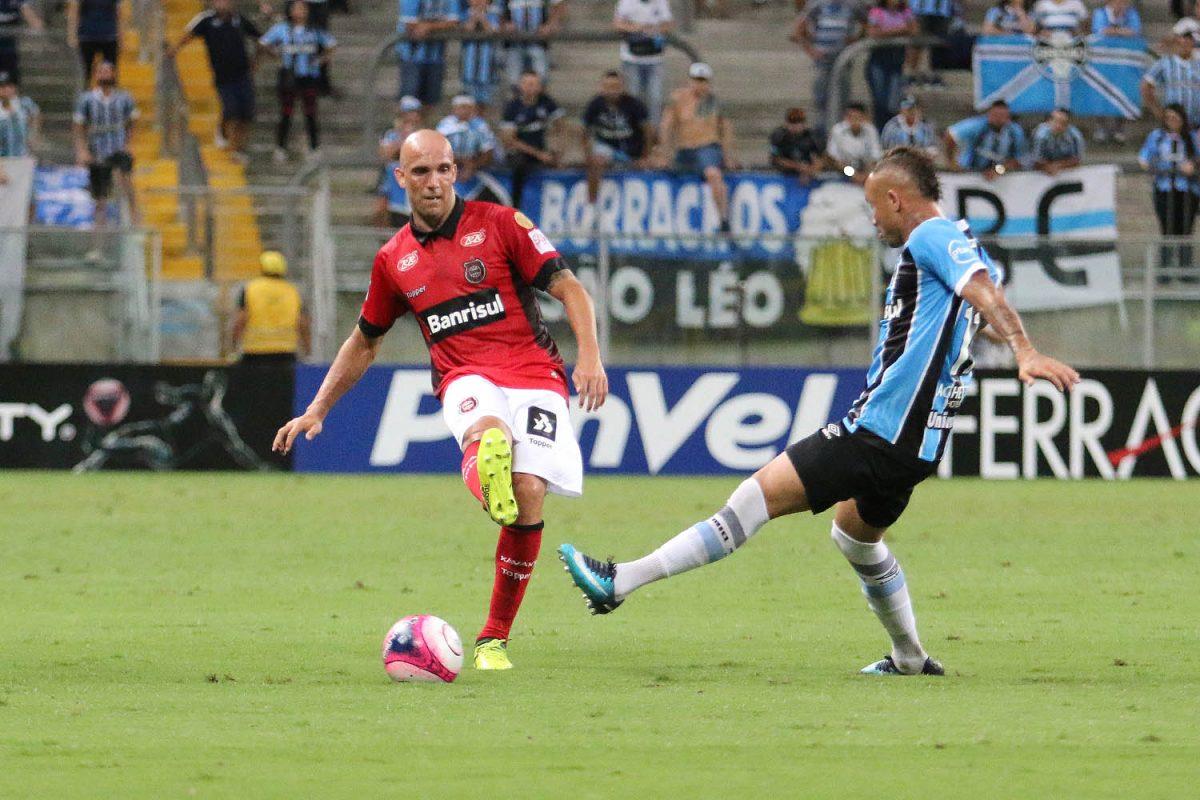 Brasil-Pel perde invencibilidade no Gauchão em derrota para o Grêmio na Arena, mas segue na vice-liderança
